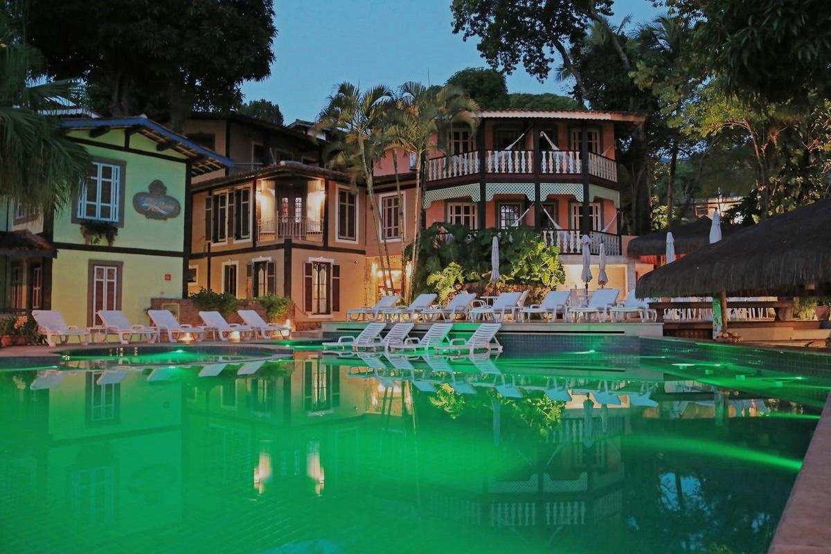 Hotel Porto Pacuíba em IlhaBela