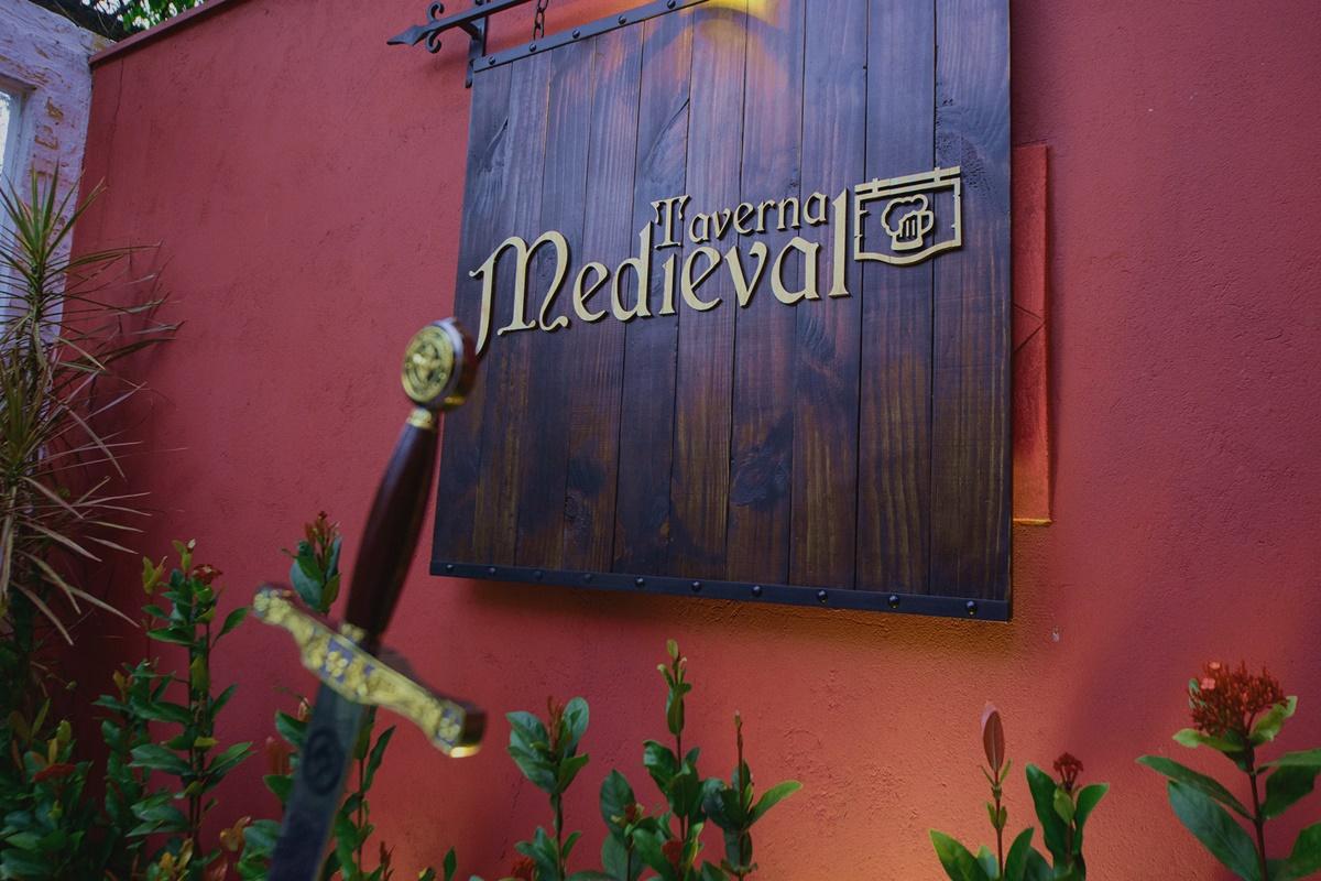 Hamburgueria Taverna Medieval em São Paulo